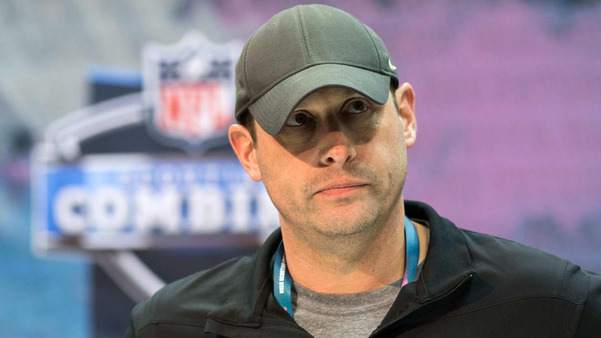 Adam Gase responds to questions about whether he will trade Le'Veon Bell before the season