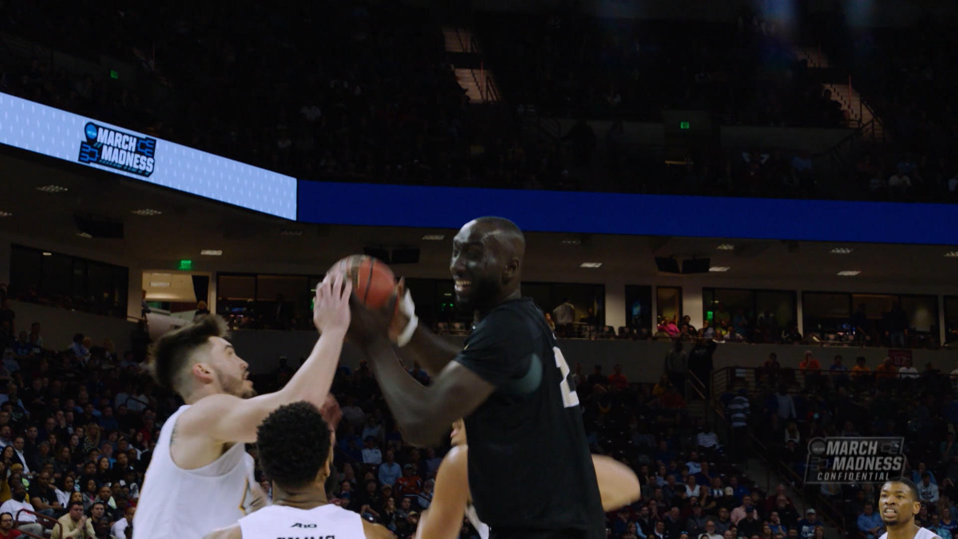 2019 NCAA Tournament: Zion Williamson vs. Tacko Fall lives up to the hype with epic rim collisions