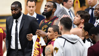 7bb560743 Report  Kawhi Leonard may not want to join Lakers with LeBron
