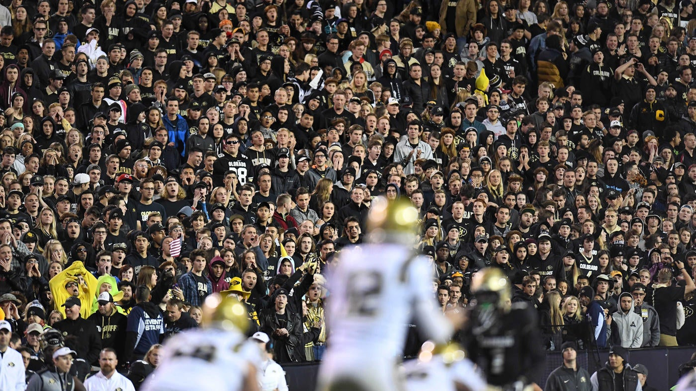 College Football Attendance In 2016 Crowds Decline For