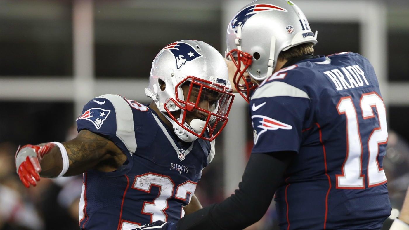 e354c3f9cbe NFL playoffs: Tom Brady survives a beating as Patriots eventually rout  Texans - CBSSports.com