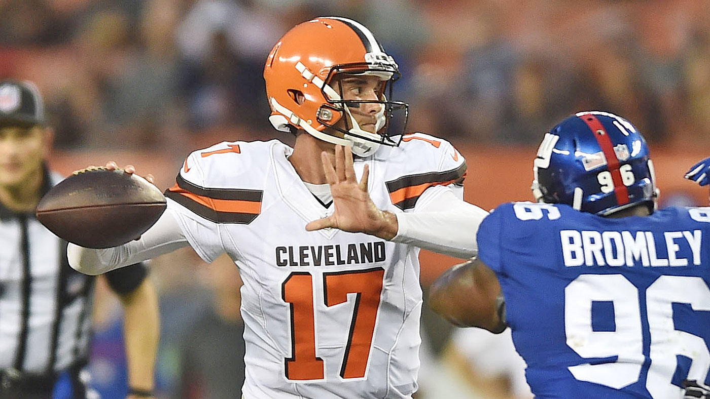 Browns' Hue Jackson hopes to make decision on starting QB by Wednesday