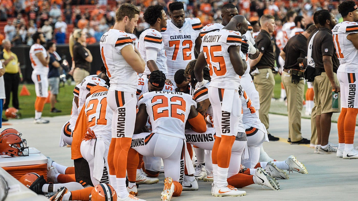 First white NFL player to kneel during national anthem explains his decision