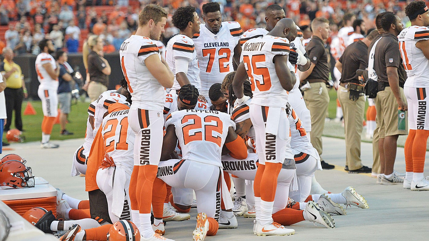 Browns hold NFL's largest national anthem protest as more than 10 players kneel
