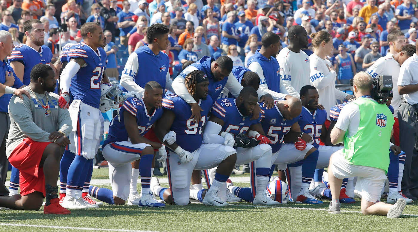 Longtime Bills stadium worker quits job and walks out after players' anthem protest