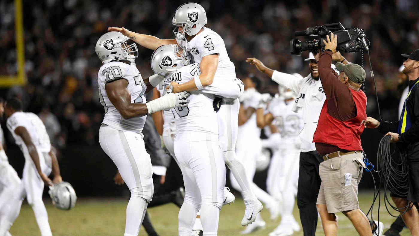 Chiefs-Raiders takeaways: Carr saves Oakland's year with walk-off TD in wild game
