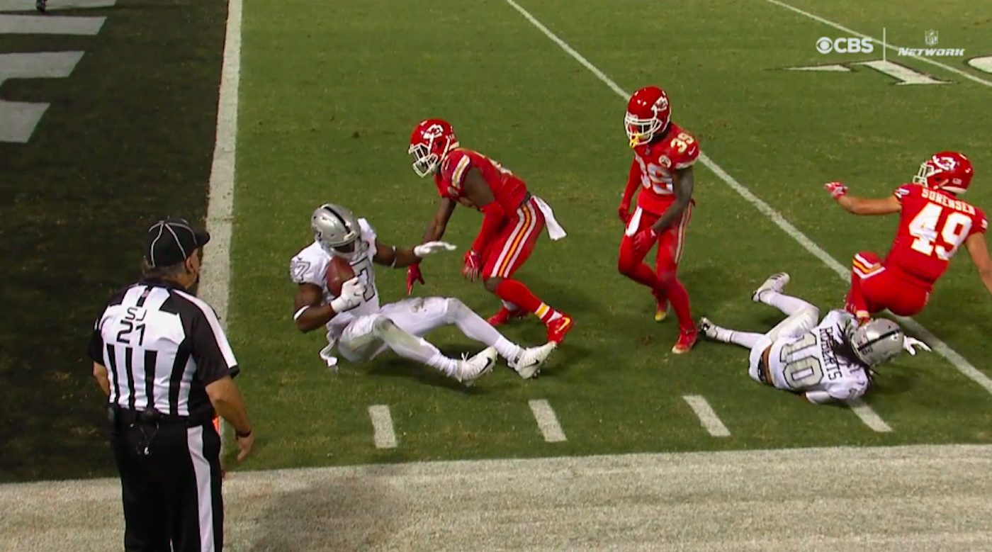 LOOK: Crazy ending of Chiefs-Raiders leaves NFL players and Twitter in total shock