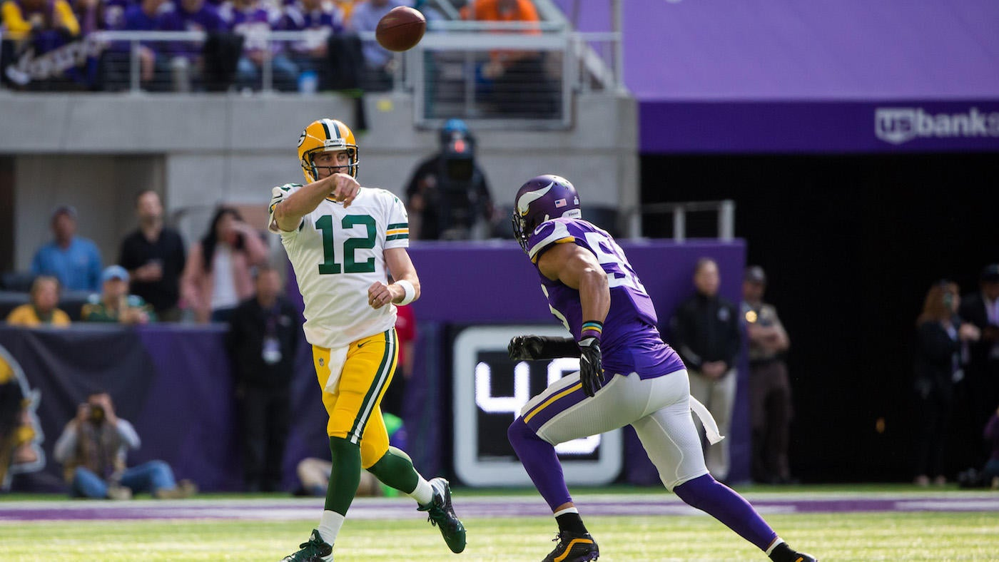 Vikings' Anthony Barr reportedly fined $9K, but not for hit that hurt Aaron Rodgers