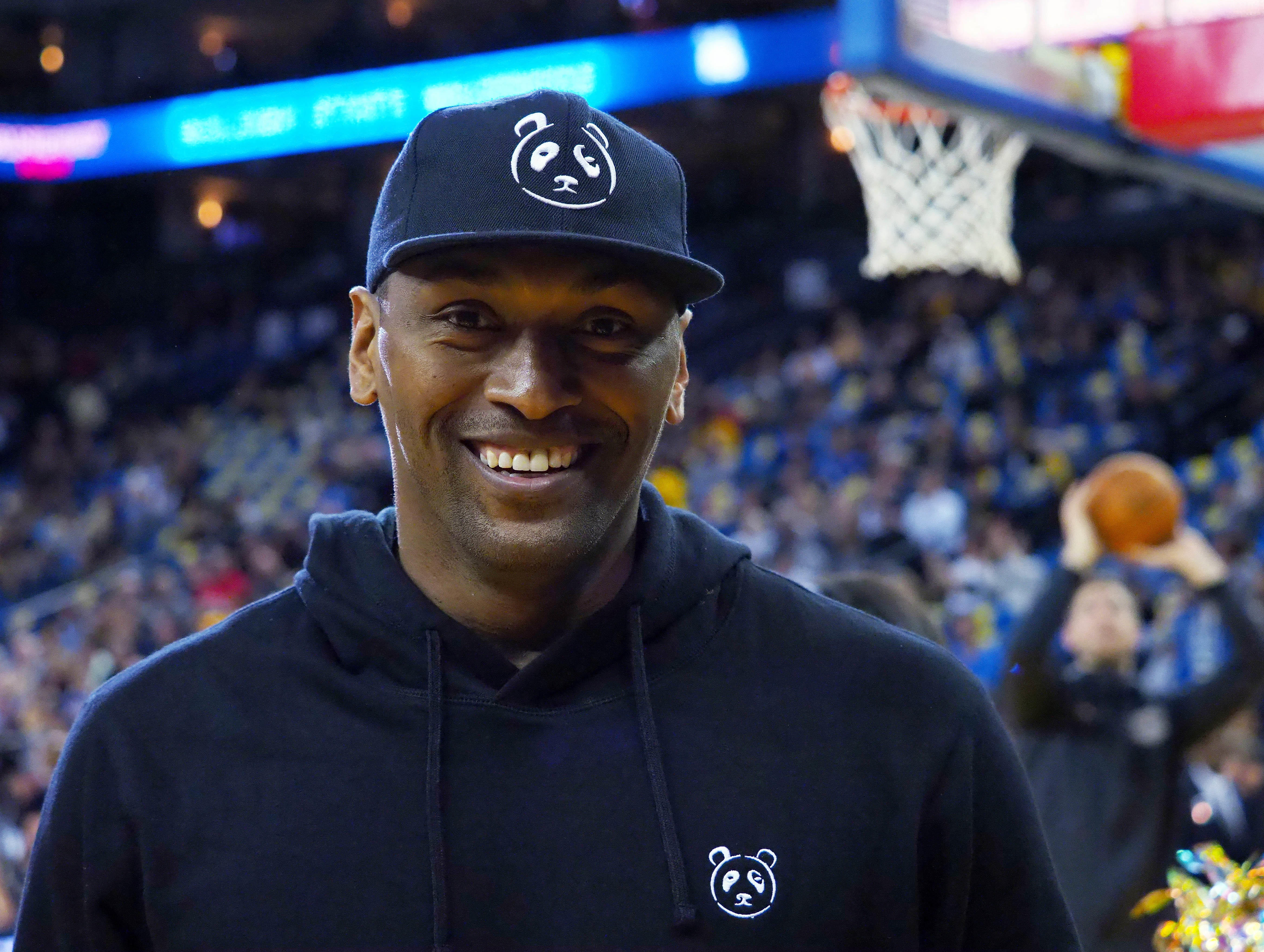 d6f73490086 Boomer & Gio: Retired NBA player Metta World Peace talks dream job as St. John's  coach - CBSSports.com