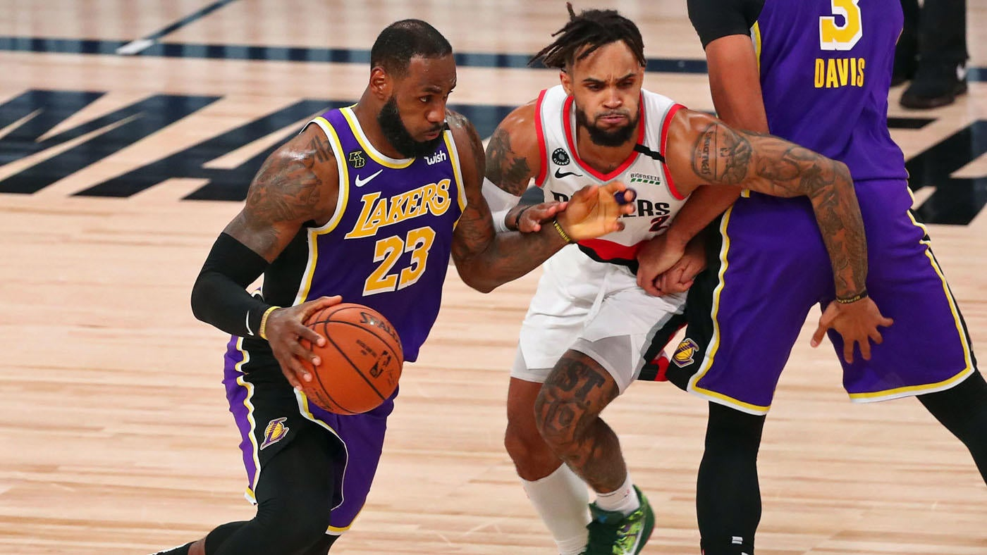 Lakers Vs Blazers Score Takeaways Lebron James Flirts With Triple Double Puts L A Ahead In The Series Cbssports Com