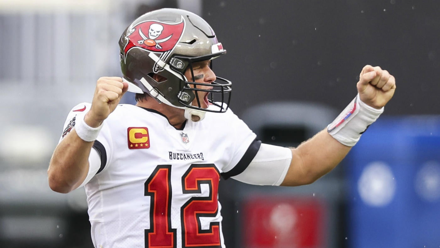 Buccaneers Vs Chargers Final Score Tom Brady Rallies Tampa To Win Over Rookie Justin Herbert Cbssports Com