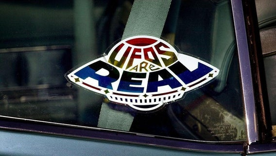 ufos-are-real-sticker-1252243