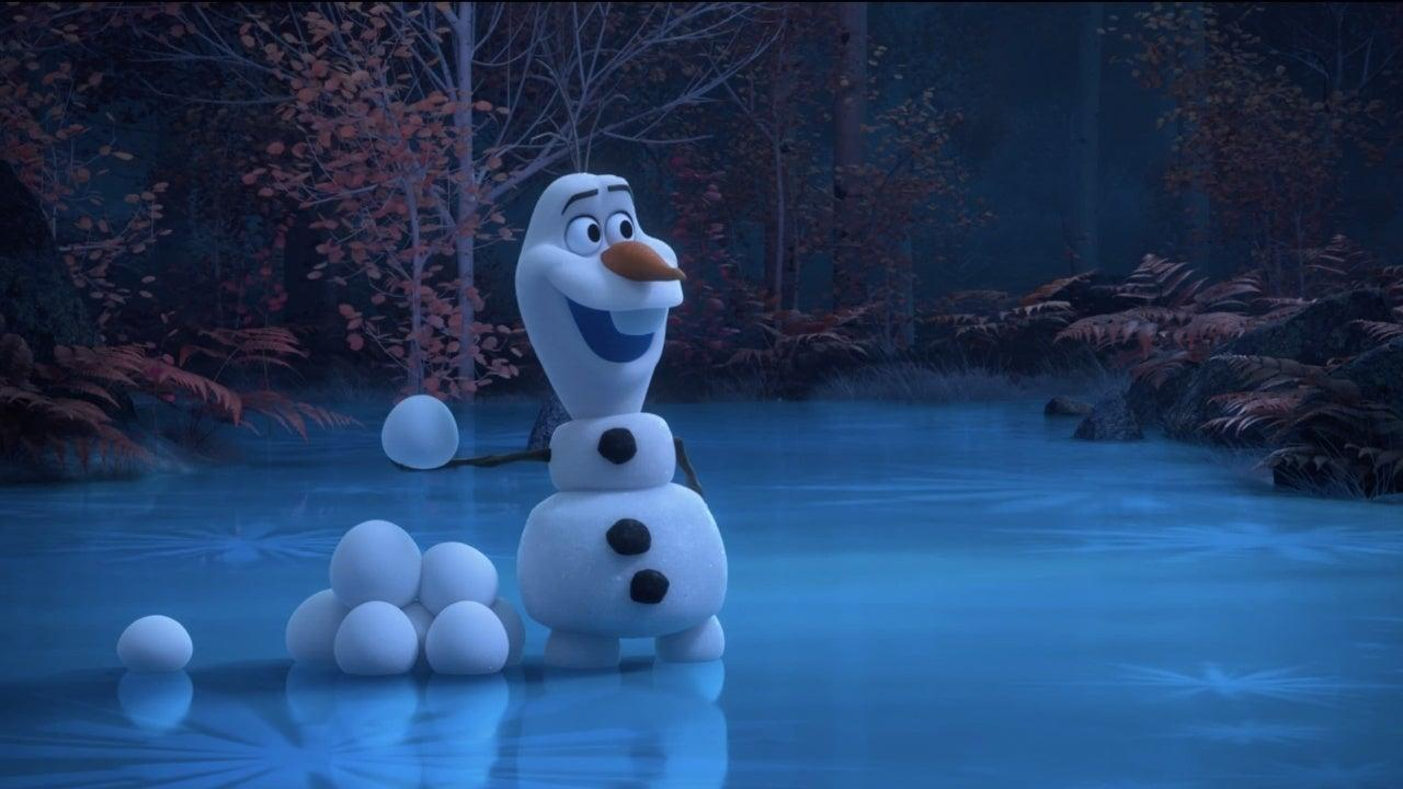 at-home-with-olaf-frozen-disney-1214135