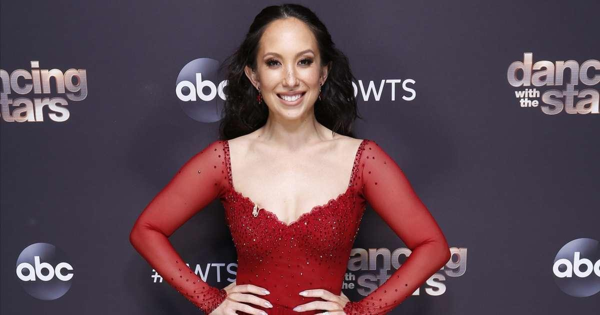 'Dancing With Stars': Cheryl Burke Calls out Judges Over Scoring.jpg