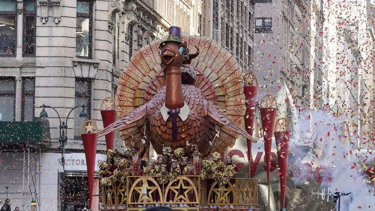 Macy's Thanksgiving Day Parade Makes Major Decision on 2021 Crowd, Route