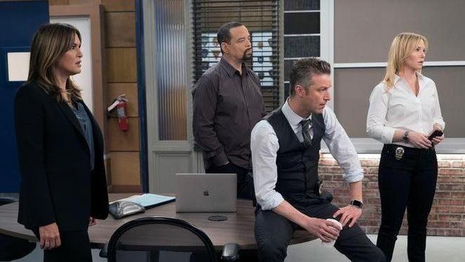 'Law & Order: SVU' Loses 2 Main Cast Members Ahead of Season 23
