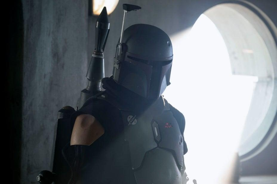 """Star Wars: The Book of Boba Fett Director Says What We Saw in The Mandalorian Was """"Nothing"""" Compared to Spinoff"""