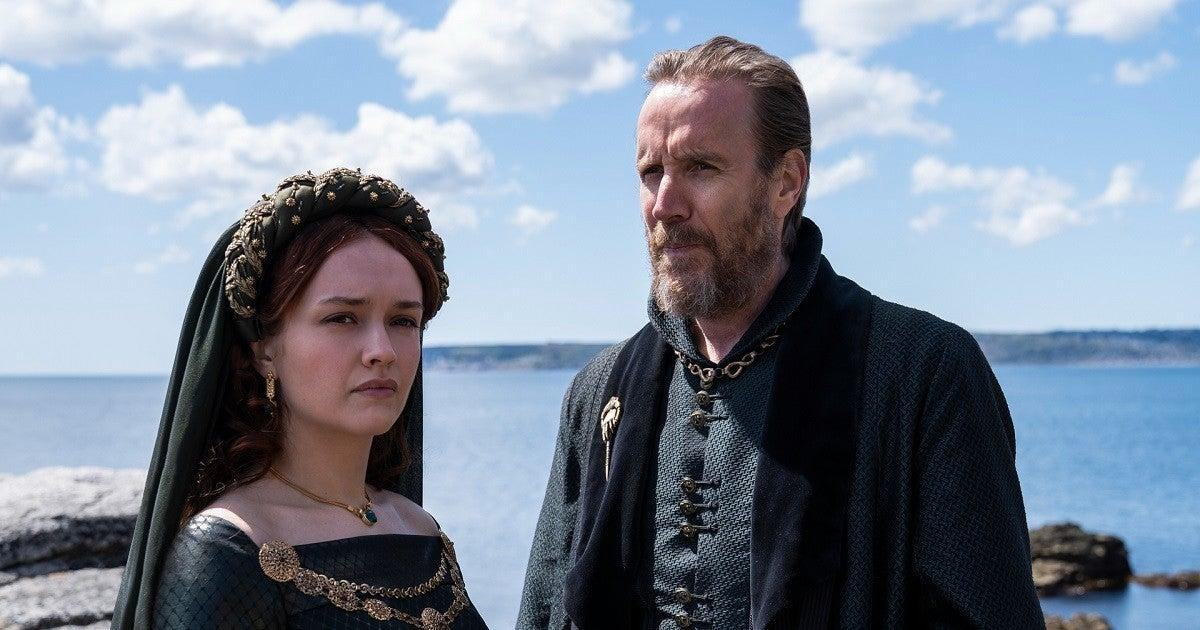 olivia-cooke-rhys-ifans-house-of-the-dragon-hbo-20107552