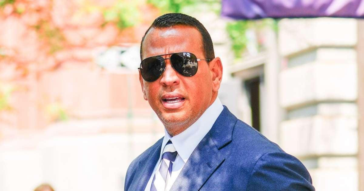 Boston Red Sox Fans Troll Alex Rodriguez With Ben Affleck and Jennifer Lopez Chants Following Playoff Game.jpg