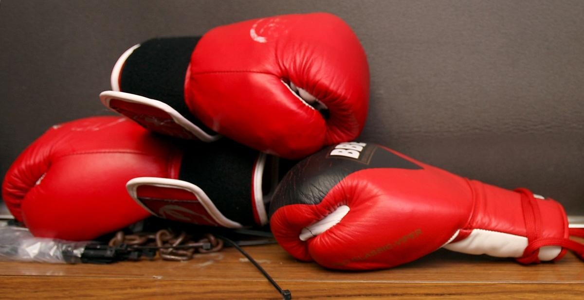 18-year-old-boxer-dies-knocked-out-during-match