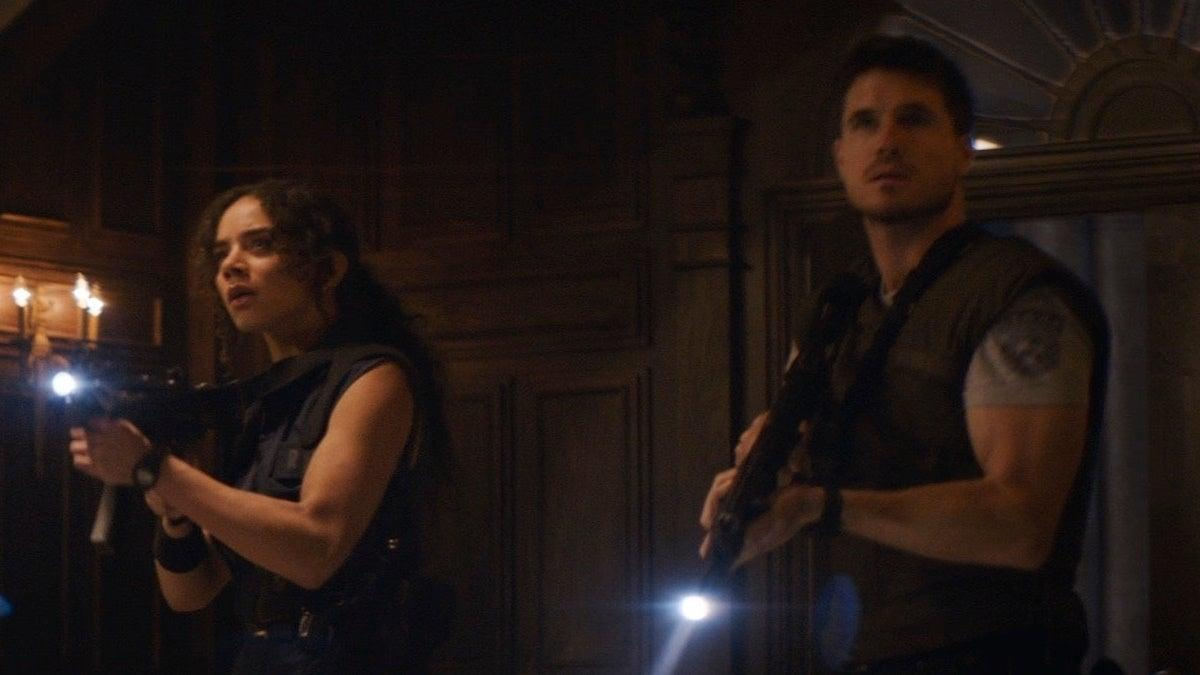 resident-evil-welcome-to-raccoon-city-jill-chris-new-cropped-hed-1280972