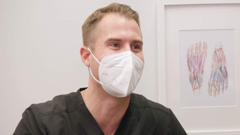'My Feet Are Killing Me': Dr. Brad Shocked By Patient's Urine Home Remedy in Exclusive Preview