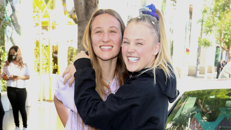 JoJo Siwa Shares a Kiss With Girlfriend Following 'Dancing With the Stars' Announcement
