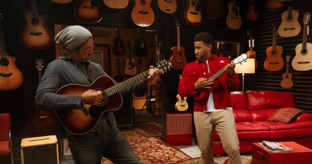 aaron-rodgers-state-farm-commerical-guitar-skills