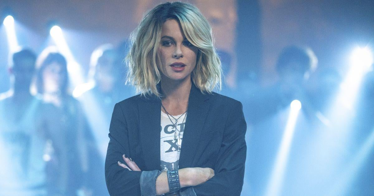 kate-beckinsale-gives-health-update-from-hospital
