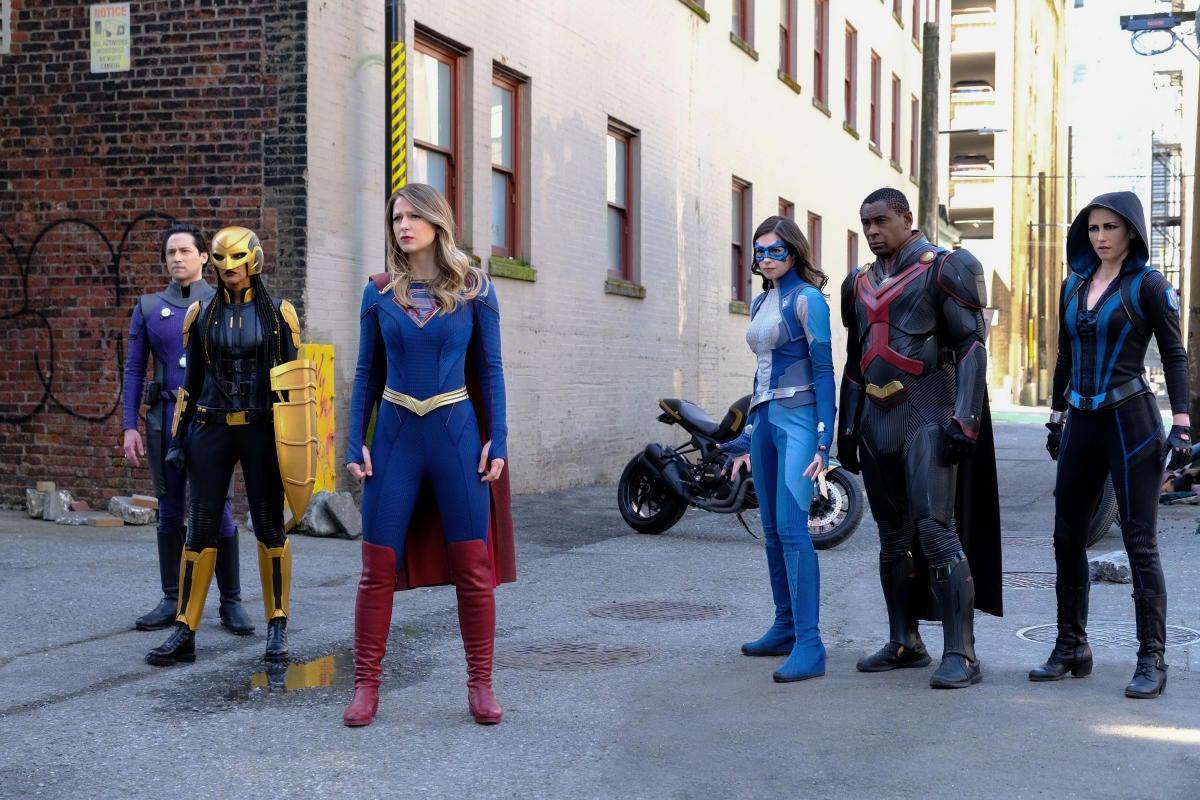 supergirl-6x12-12