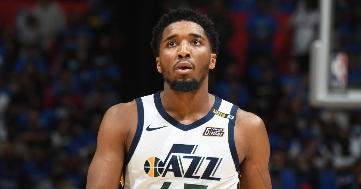 Donovan Mitchell Explains How He Can Win NBA MVP in 2022 (Exclusive).jpg