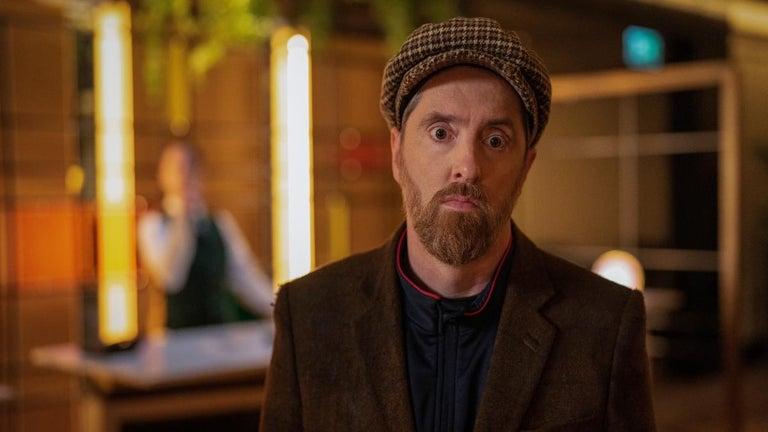 'Ted Lasso' Season 2: Coach Beard Cons His Way Into Club in Episode 9 Sneak Peek