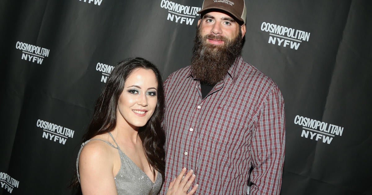 'Teen Mom 2': Jenelle Evans' Husband Threatens to Shoot Fan in Reply to Dog Murder Comment.jpg