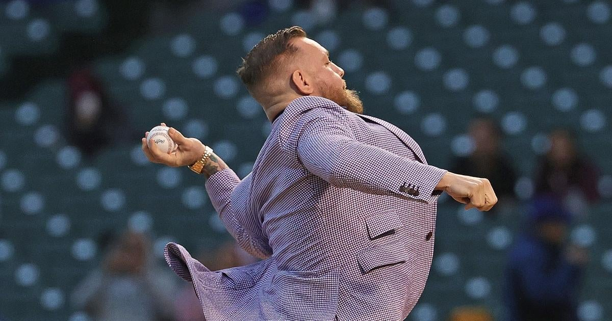 conor-mcgregor-first-pitch-wild-cubs-game