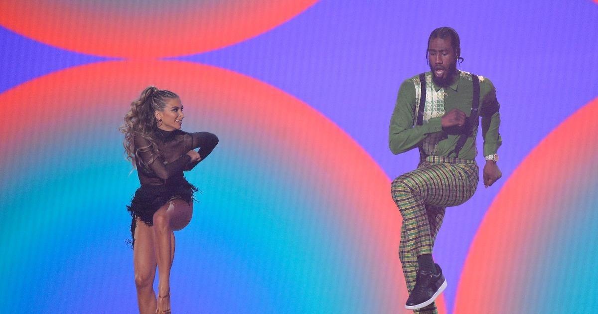 'DWTS' 2021: Watch Iman Shumpert Dance to OutKast During Season 30 Premiere.jpg