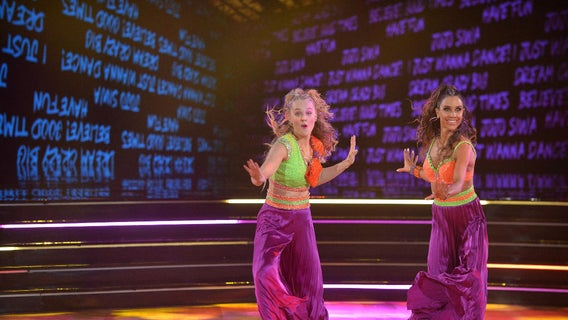 abc-dancing-with-the-stars-season-30-jenna-johnson-jojo-siwa