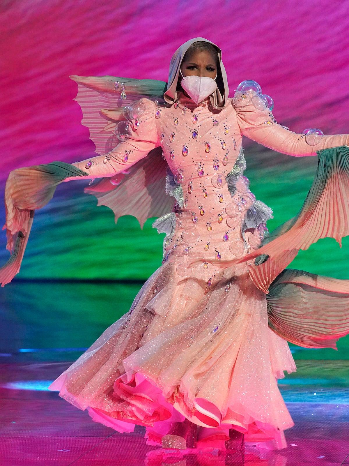 masked-singer-puffer-fish-toni-braxton.jpg