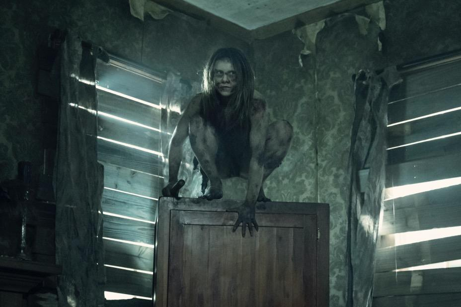 the-walking-dead-the-ferals-crawlers-season-11-episode-6-on-the-inside.jpg
