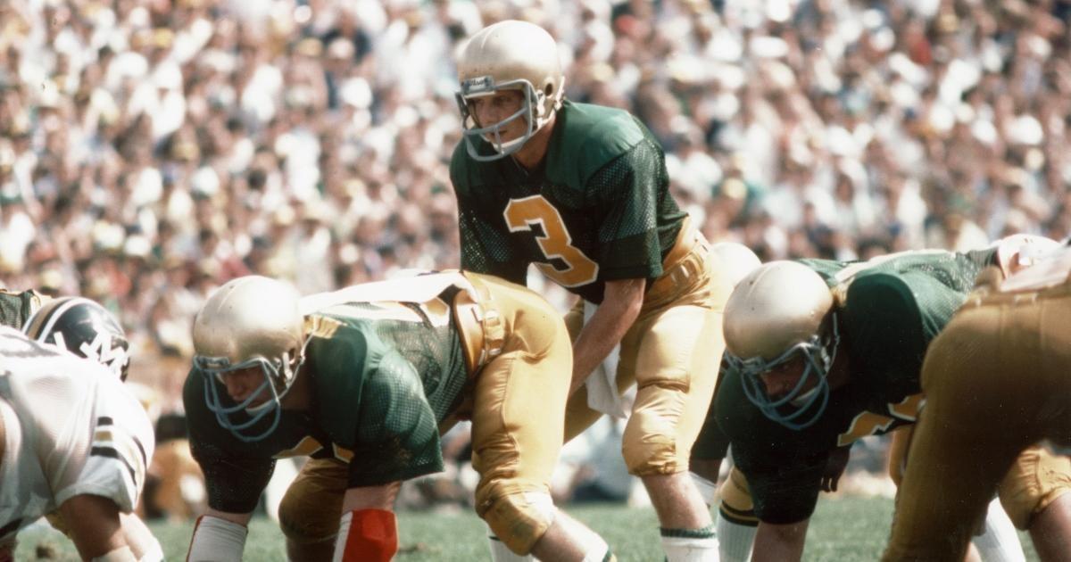 Joe Montana Explains How Notre Dame Football Is Similar to NFL (Exclusive).jpg