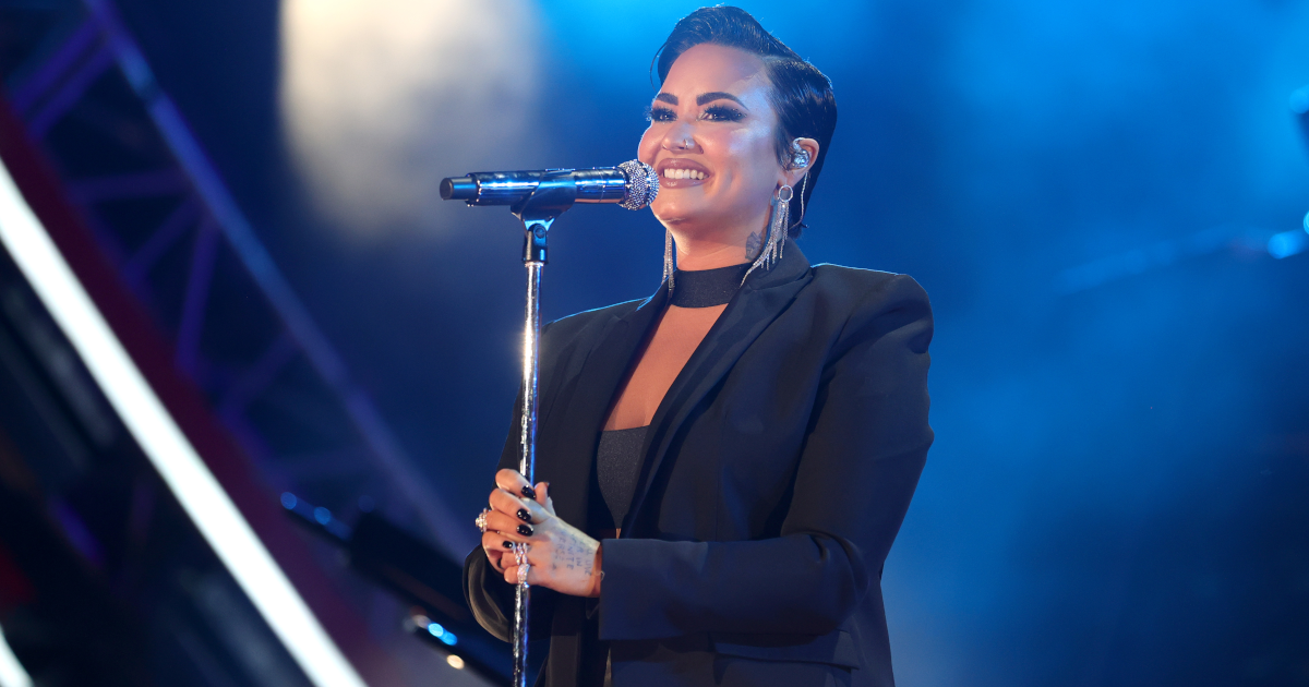 Demi Lovato Uses Her Own Personal Experience While Sharing Her Belief That Aliens Exist.jpg