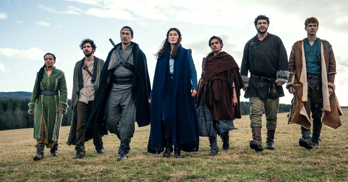 'Wheel of Time' Behind-the-Scenes Clip Gives First Look at Fan-Favorite Character.jpg