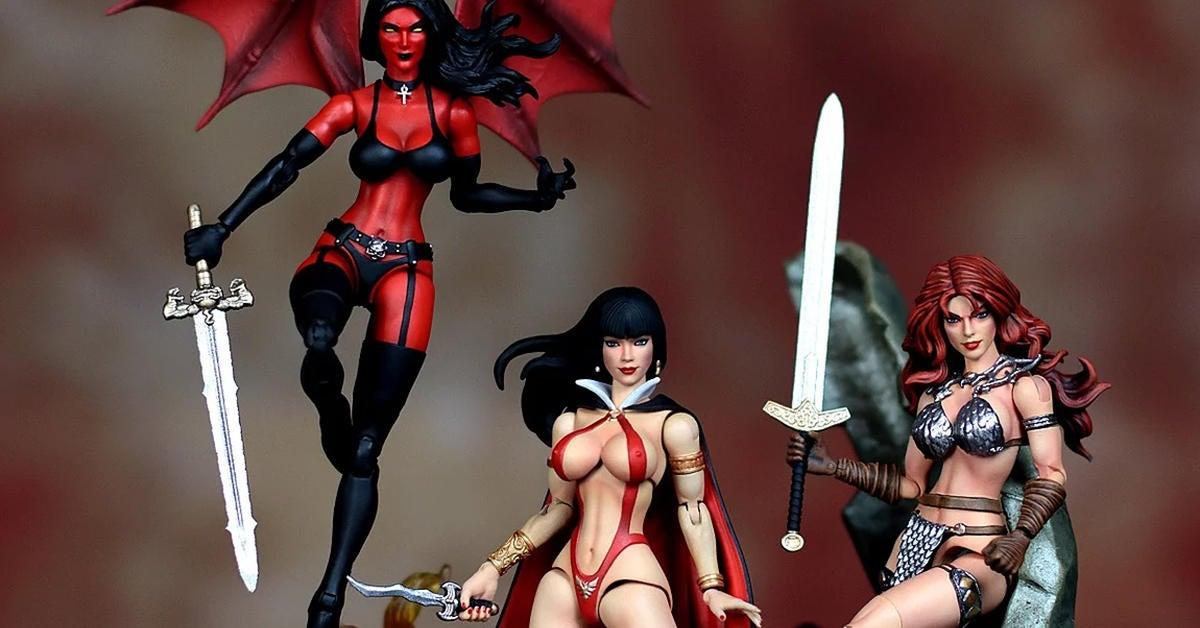 dynamite-comics-figures-top