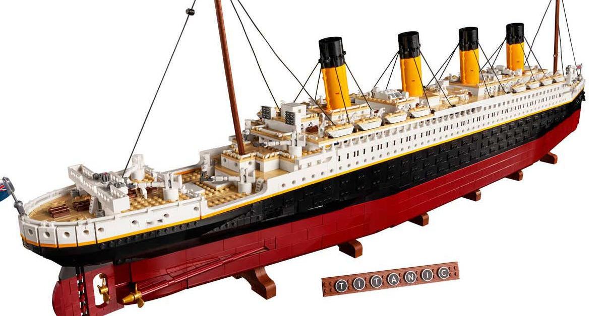 lego-titanic-top