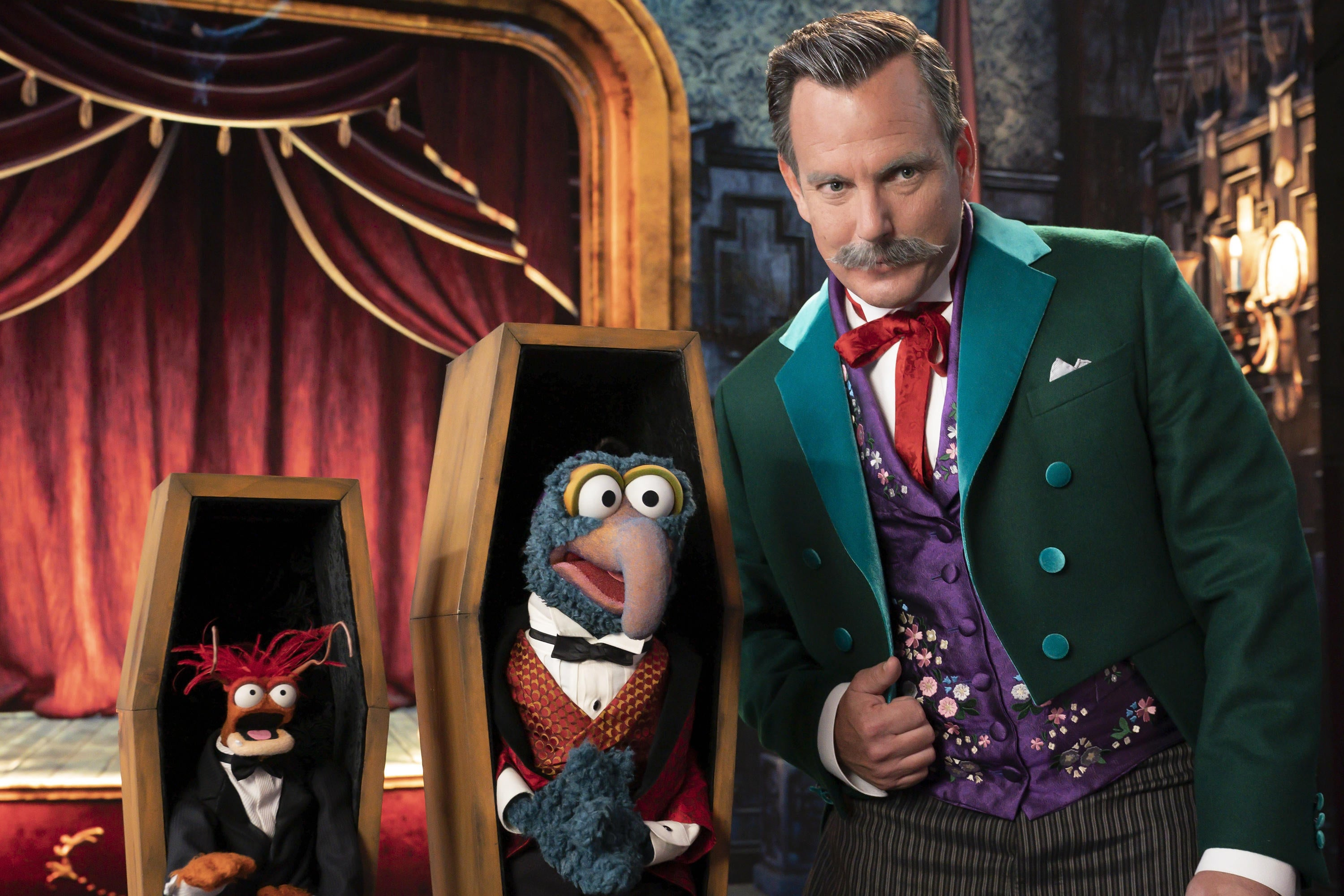 Gonzo and Pepe Preview Muppets Haunted Mansion's Big Guest Stars