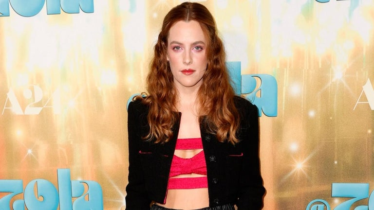 Riley Keough Gives Stevie Nicks Vibes in Groovy '70s Outfit on 'Daisy Jones and the Six' Set