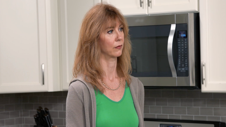 'I Love a Mama's Boy': Steph Confides in Liz About Her Troubled Relationship With Mike in Exclusive Clip