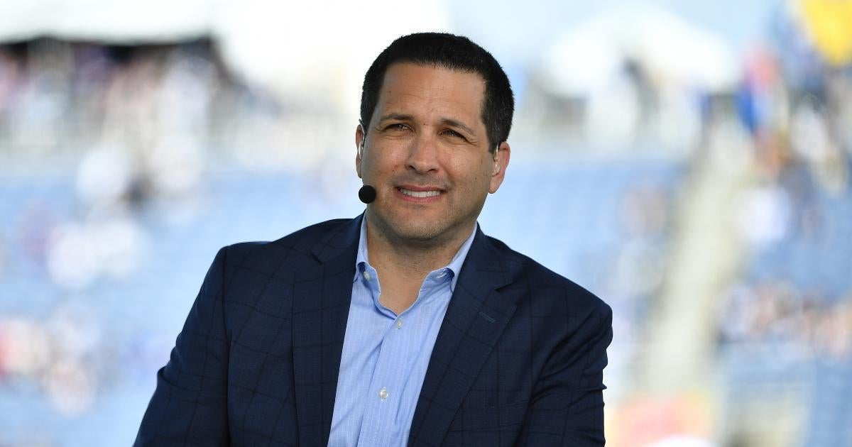 NFL Fans Go After Adam Schefter for Sending Draft of Story to Washington General Manager.jpg