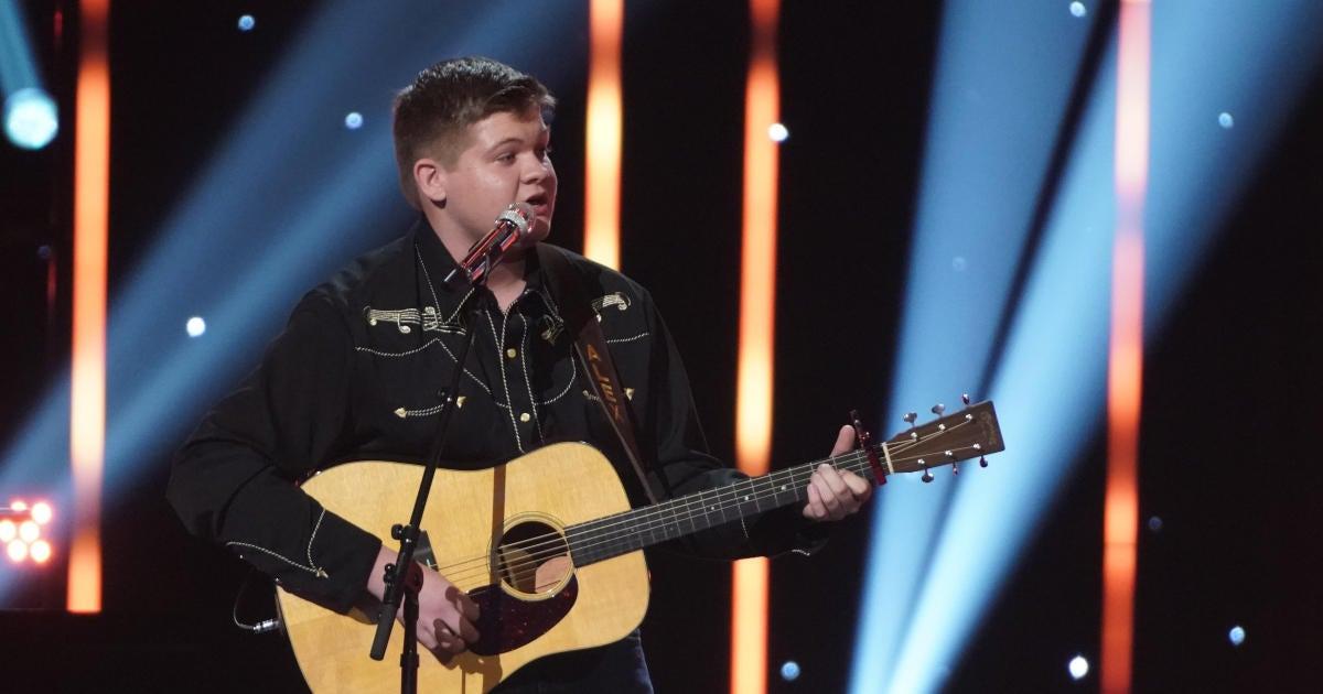 Beloved 'American Idol' Country Singer Gets Record Deal.jpg