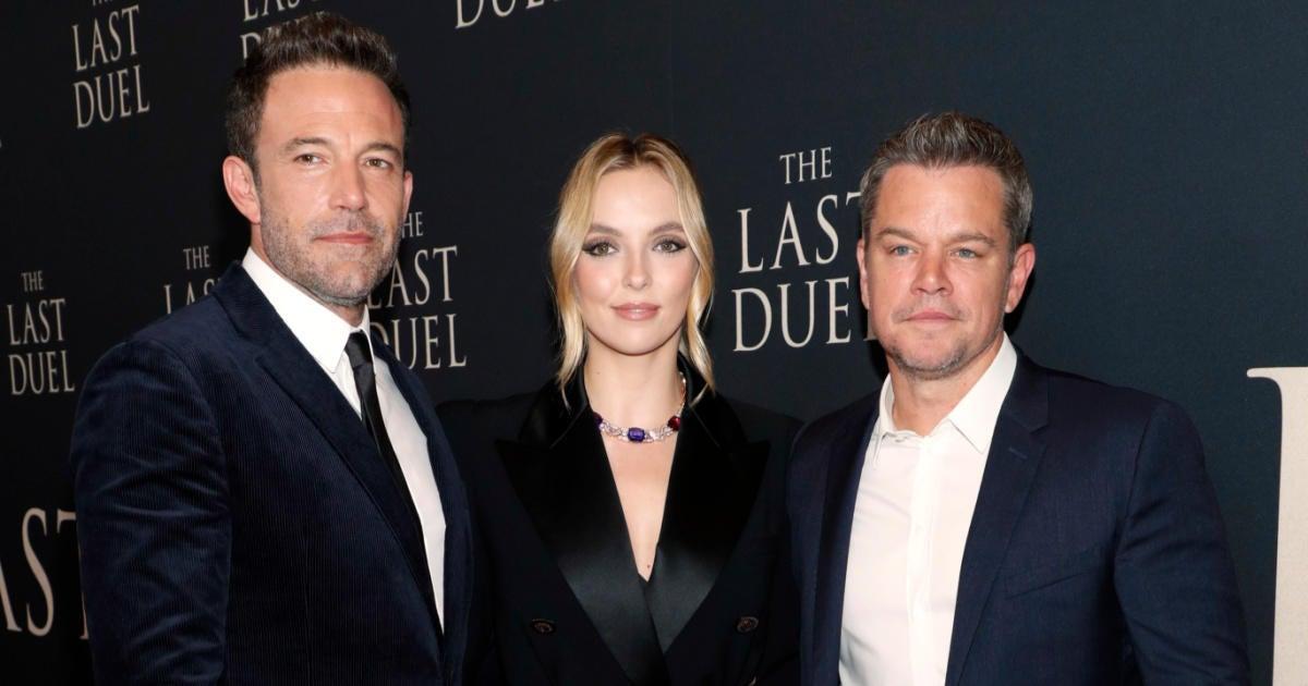 Ben Affleck and Matt Damon Roast Old Throwback Photos on 'Tonight Show'.jpg