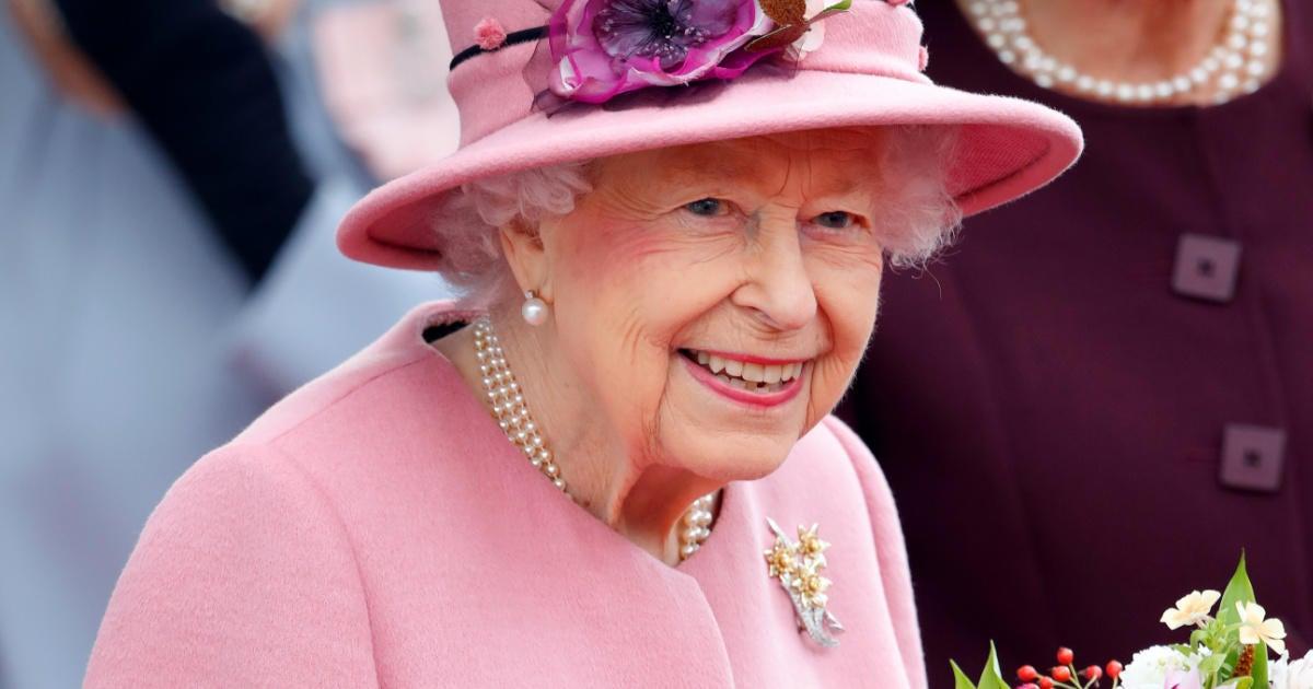 Queen Elizabeth's Doctors Deliver an 'Unfair' Warning Over the Monarch's Health.jpg